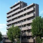 バイク置き場も完備した分譲賃貸マンション!(外観)